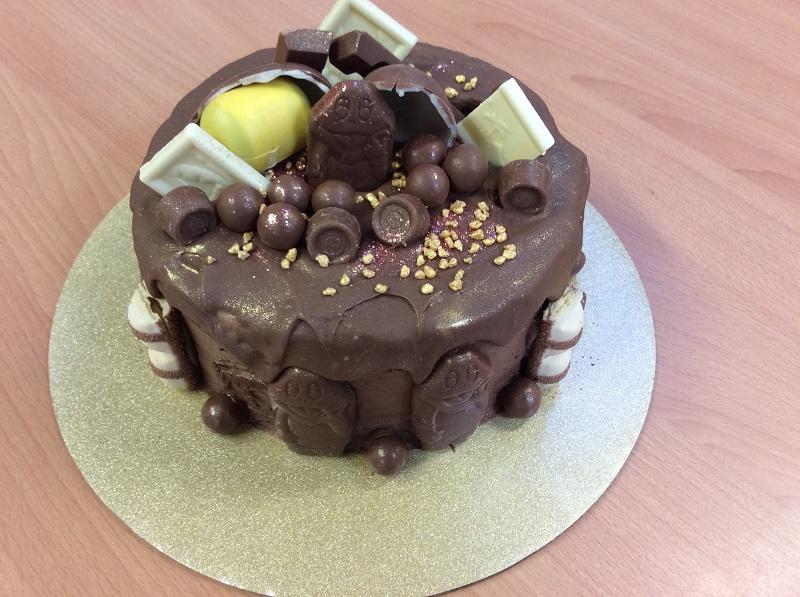 Macmillan Cake Raffle